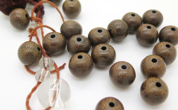 <span>数珠・ブレスレットの修理</span>お数珠の修理承ります!詳しくはこちらをご覧くださいませ。